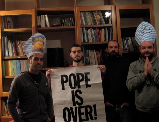 Foto di gruppo prima del Concistoro Camerlengo Papamobile